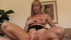 Experienced big tit lady Nicole Moore puts her mouth to work