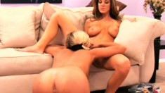 Experienced MILF Kayla Page loves giving fresh pussy its first licking